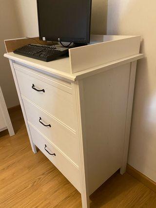 Comoda madera blanca Ikea