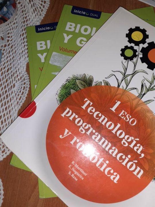 libros de 1 ESO Tecnología programación y los dos