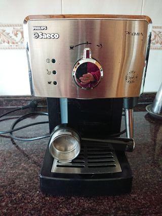 Cafetera expreso Saeco de Philips