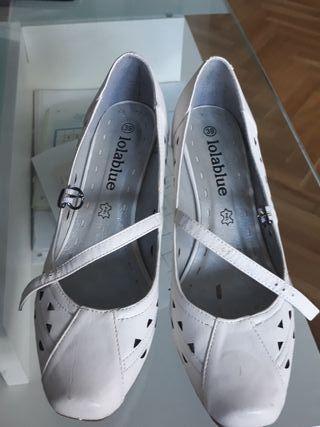 zapatos blancos de piel 39.