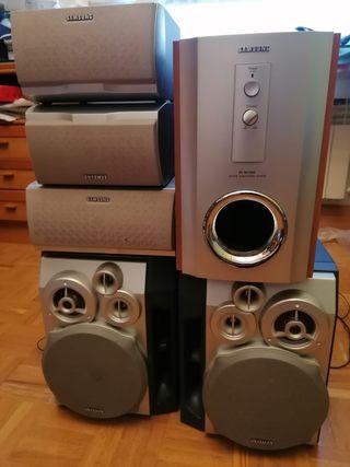 Altavoces - Equipo de sonido