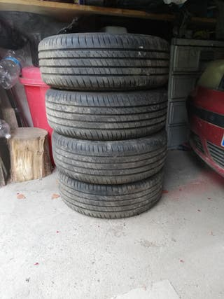 Neumáticos de Volkswagen Golf 205 R16