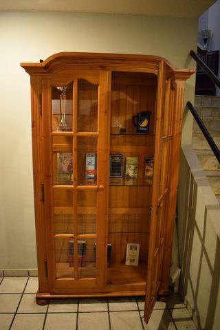 Alacena vitrina expositora madera con cristal
