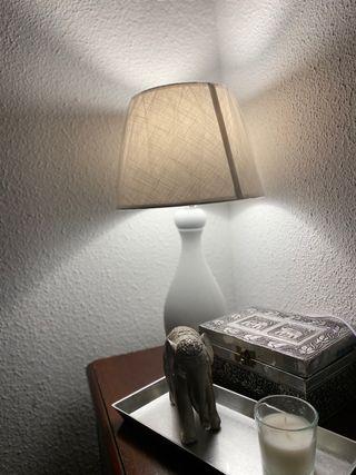 Lámpara mesita de noche