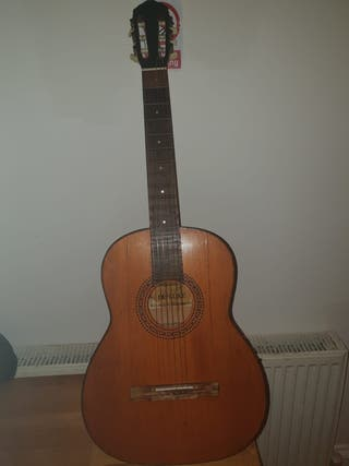 guitar tatra deluxe