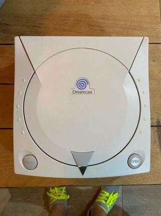 Sega Dreamcast en caja +2mandos +2VMU + juego