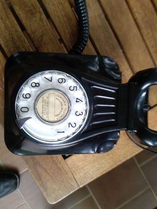 Teléfono mural Heraldo, de baquelita, negro.