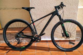 Bicicleta MTB Cube Race Carbono 29