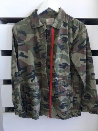 Chaqueta Parka militar camuflaje Zara