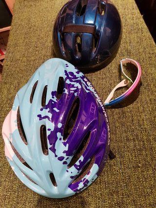 casco y gafas bicicleta