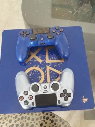 PlayStation4 y 2 mandos