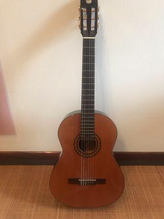 Guitarra ADMIRA MODELO VIRTUOSO