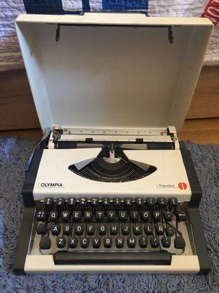 Maquina de escribir Olympia Traveller