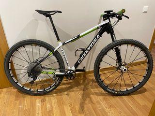 Se vende bici de montaña Cannondale 29 carbono