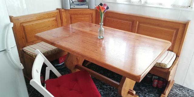 mesa de cocina o sala con rinconero