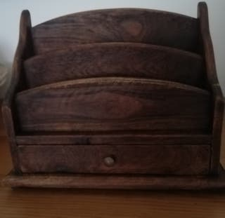 Mueble de madera nogal para cartas con cajon