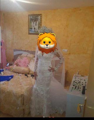 Vestido de novia puesto un rato solo