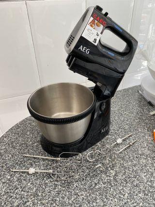 Batidora AEG Sm3300 y cosas para hacer pasteles
