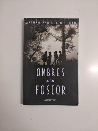 """Libro """"Ombres a la Foscor"""""""
