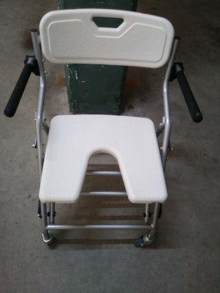 Silla de ducha con ruedas plegable