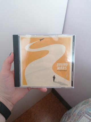 CD de Bruno Mars (doo-wops & hooligans)