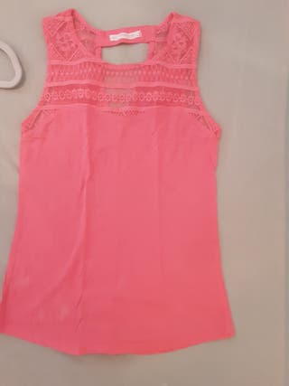Camiseta Bershka rosa flúor