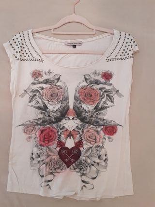 Camiseta tachuelas Bershka