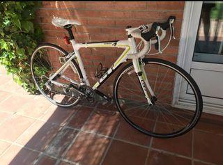GT Series 4 - Bicicleta de carretera impoluta