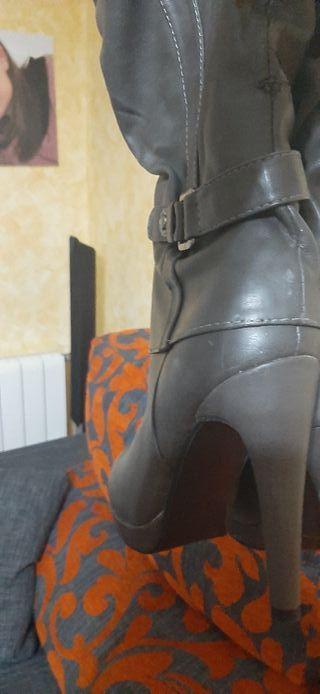 botas altas nuevas numero 37 con tacón