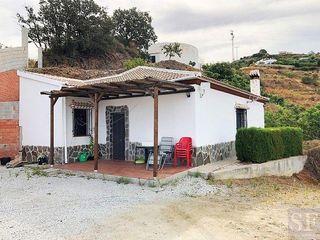 Villa en venta en Sayalonga