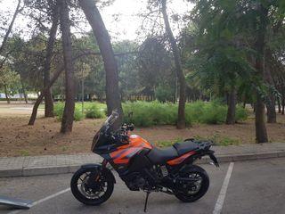 KTM 1290 S 590kms extra travel pack. Nueva