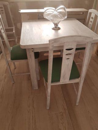 mesa extensible y 6 sillas 120 €