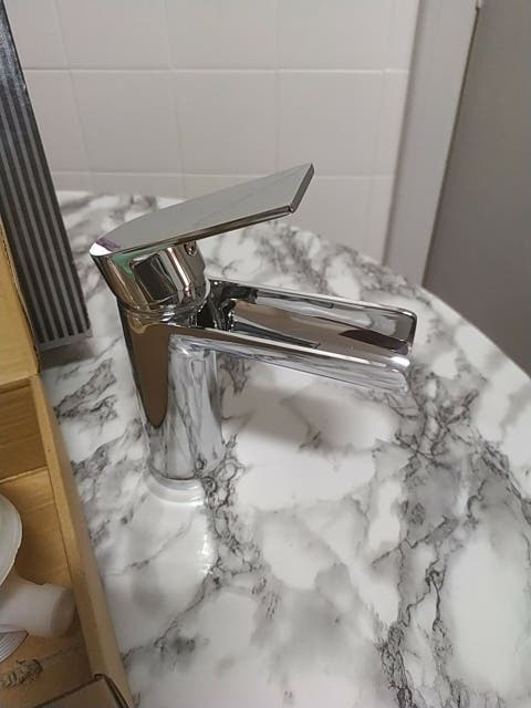 monomando lavabo muy moderno