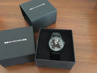 Reloj Nuevo con precintos. Ideal regalo