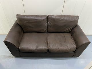 SMOOTH LEATHER COUCH