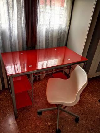Escritorio + silla de regalo en Torrent.