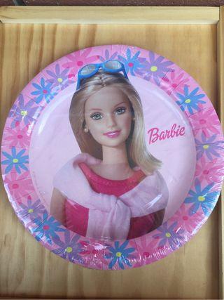 10 platos Barbie. Nuevos!