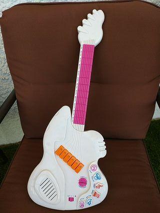 Guitarra de juguete a pilas
