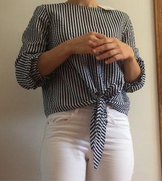 Blusa de verano, rayas blanco y azul.