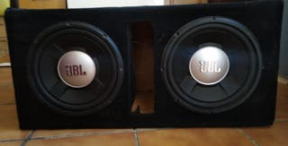 EQUIPO DE CAR AUDIO. SUBWPPFER JBL, 6x9 BEYMA