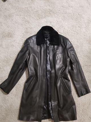 Abrigo cuero negro hombre