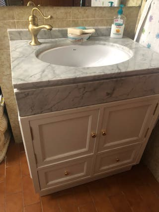 Se vende mueble bajo lavabo lacado blanco