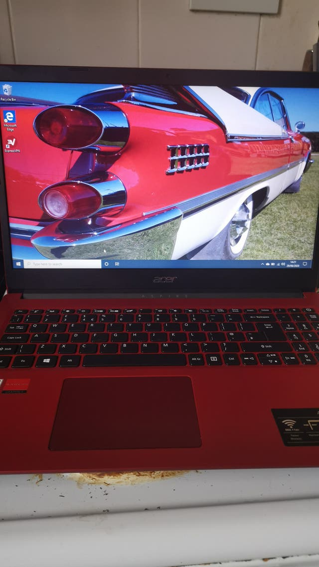 Asus Aspire 3 Second Hand For 300 In Blackpool In Wallapop