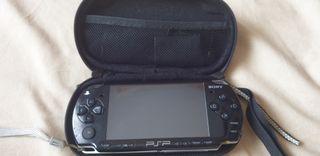 PSP sin batería con 4 juegos