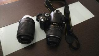 Cámara Nikon D40x con dos objetivos.