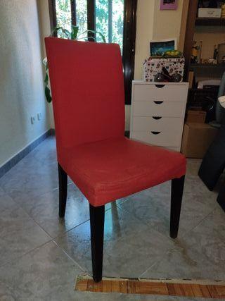 mueble salón y sillas