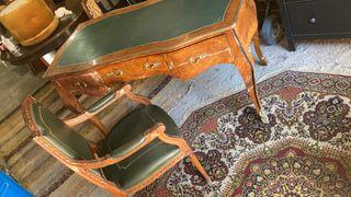Mesa y silla de despacho . Calidad.