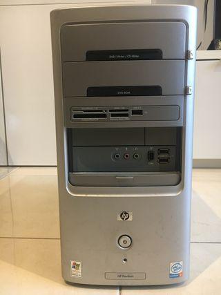 Torre ordenador antigua