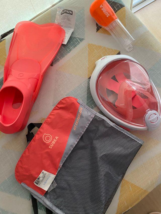 Careta de snorkel y aletas