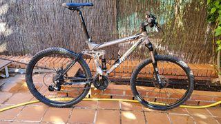 Bici MTB doble suspensión enduro